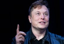Elon Musk says Tesla has held 'preliminary discussions' to license its Autopilot software to other manufacturers (TSLA)