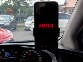 """Netflix's Automatic """"Downloads For You"""" Provides Content When The Internet's Out"""