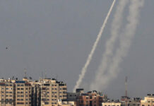 Jerusalem violence leads to Hamas rockets on Israel, nine dead in Gaza