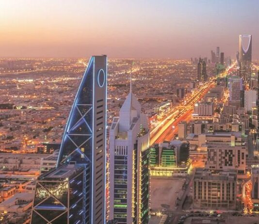 Saudi non-oil economy grows for first time since Covid-19 pandemic