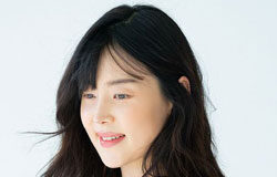 Actress Han Ji-hye Has 1st Child After 10 Years of Marriage